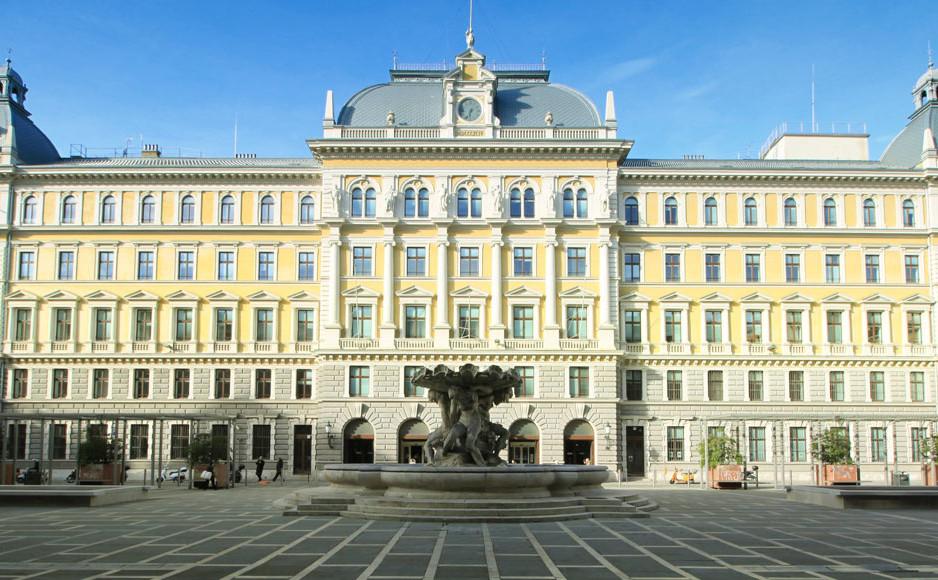Palazzo_delle_poste_Trieste